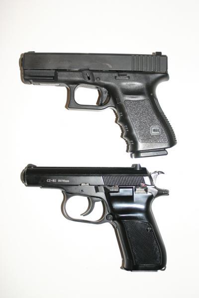 glock-19-vs-cz-82-38.jpg